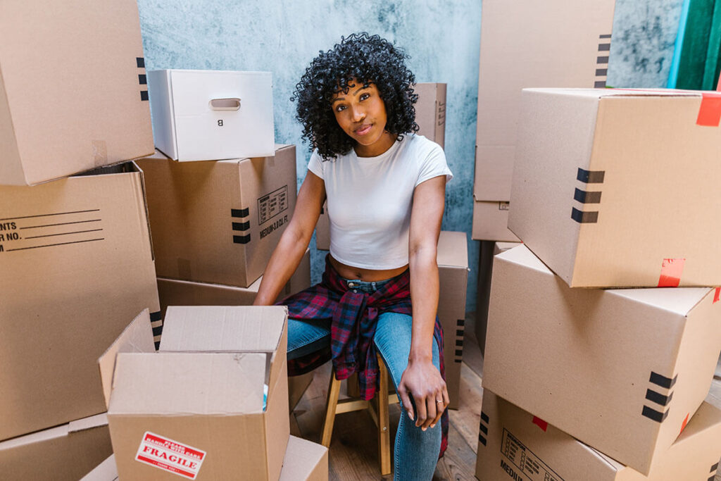 A girl who knows how to pack like movers in Philadelphia, PA